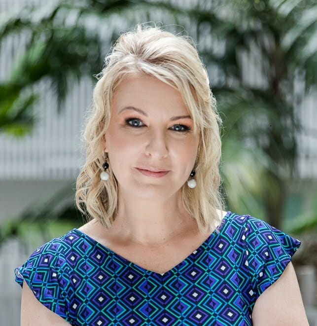 Deborah Knight